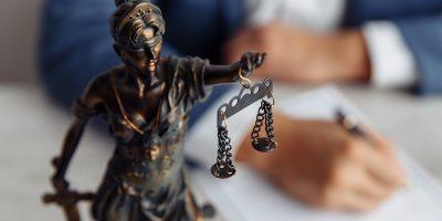 Criminal Lawyer Consultation